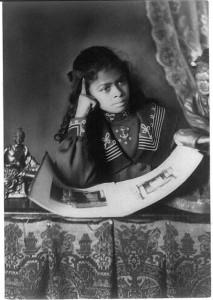black-girl-reading-a-book